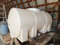 300-gal poly water tank w/valve