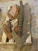 Bourgault 410 series shovels