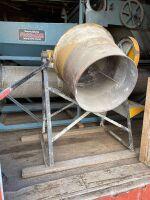 *Cement mixer (no motor)