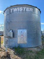 *Twister 4000-bus flat bottom bin
