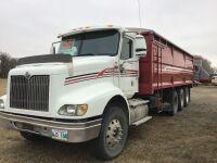 *K33 –2005 IH 9200i Tri-Axel Grain Truck, VIN#GB140825966036, SAFETIED, Owner: Oliver Phillipot Seller: Fraser Auction Service ______________ ***TOD, SAFETIED, KEYS***