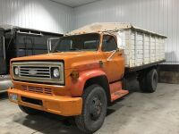 *1975 Chevy C60 3 Ton s/a Truck w/ 15' box, 4 speed trans, 2 speed axle, 350 motor,V8 gas eng, roll tarp, 9.00-20 tires, 01935 miles showing, VIN#CCE615V117888 (K46) Owner: James A Nichol Seller: Fraser Auction_________ ***TOD, KEYS***