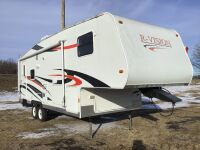 *2007 27' R-Vision5th wheel camper, VIN#4WYF47L2471406233 (K59) Owner: Bonnie D Evans - Palmar, Garry Palmar Seller: Fraser Auction Service ___________ *** TOD, KEYS***